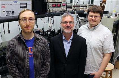(l to r) Co-authors Gregory Hohensee, David Cahill, and Rich Wilson in the Laser Facility of the Materials Research Laboratory.