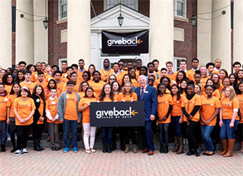 U of I receives $1 million for scholarships from Give Something Back Foundation