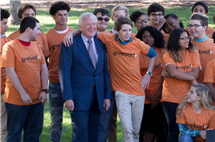 Robert Carr and students at a Give Something Back Foundation event. Carr's organization partners with universities and colleges in Delaware, Illinois, New Jersey, New York, and Pennsylvania. (Photo courtesy of Give Something Back Foundation.)