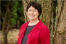 Anthropologist Jane Desmond is a co-director of the Human-Animal Studies Summer Institute.