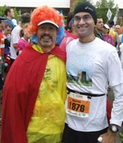Andrew Singer (left) and Naresh Shanbhag await the start of the Marathon.