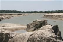 Erosional scar at the O'Bryan Ridge in the Bird's Point New Madrid Floodway during the the 2011 Lower Mississippi flood.