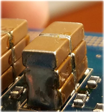 A high-resolution picture of the flying capacitors used in Liao's prototype.