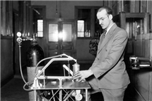 Charles Getz demonstrates his instant whip cream machine at Illinois in the early 1930s. (Image courtesy of University of Illinois Archives.)