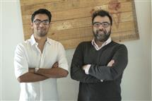Photo reshared from Forbes India. Ashwin Suresh (left) and Ahirudh Pandita (right), ECE ILLINOIS alumni and co-founders of Pocket Aces