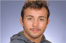 David Rivera-Kohr majors in biochemistry.  (Image courtesy of the Division of Intercollegiate Athletics at Illinois.)