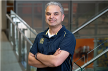 Anthropology professor Ripan Malhi and his colleagues use genomic techniques to understand ancient migration patterns in the Americas. (Photo by L. Brian Stauffer.)