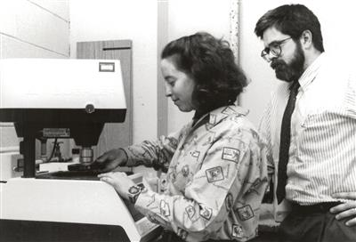 Professor David Lange and Anne Werner prepare specimens, 1998