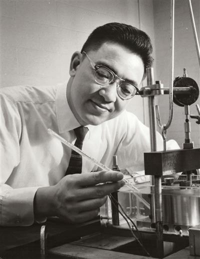 Professor Thomas K. Liu