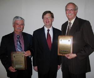 (l to r) Nicholas Tsoulfanidis, NPRE Head Jim Stubbins, and David Carlson.