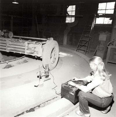 Monitoring relative deflection measurements of concrete pavements with reinforced joints, 1981