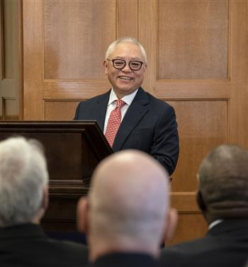 Sidney Lu (BS, ME '81), CEO of Foxconn Interconnect Technology Ltd. (FIT) takes to the podium at the signing ceremony at Engineering Hall in July.