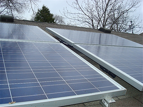 Phil Krein's do-it-yourself solar PV array