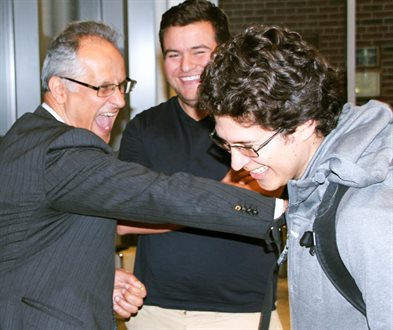 Alumnus Joe Geagea (BS 81, MS 82) meets with students after giving a guest lecture.